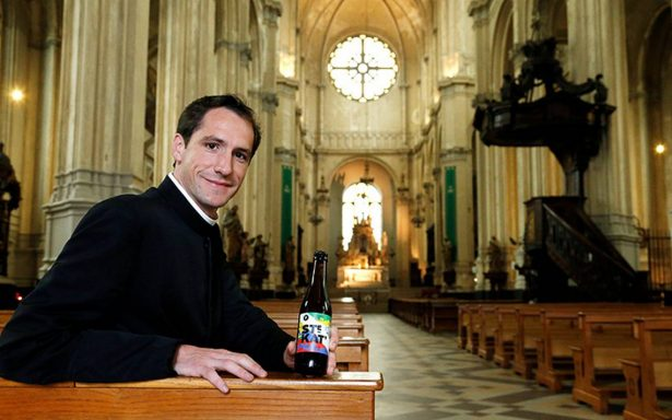 Bebida divina: iglesia crea y vende cervezas para restaurar su templo