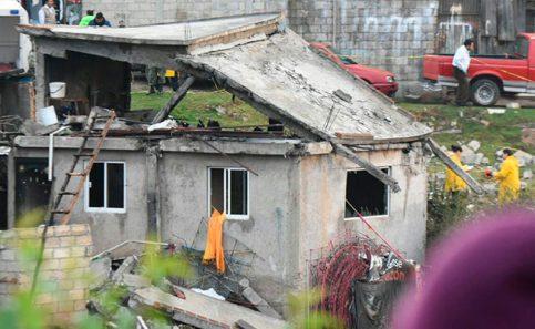 Polvorín deja dos muertos en familia de Zinacantepec