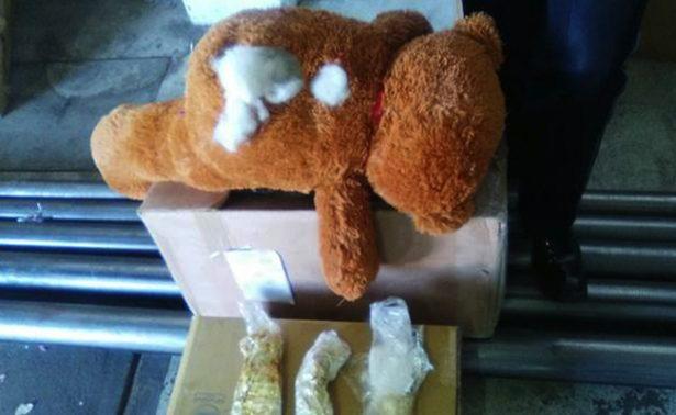 Hallan oso de peluche que ocultaba droga, en Culiacán