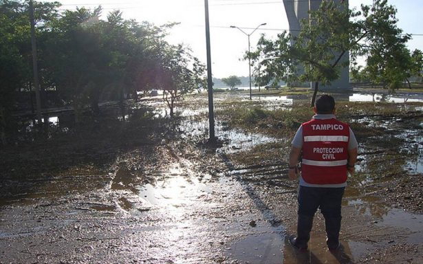 Intensas lluvias desbordan río Pánuco en Tampico