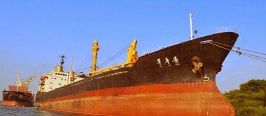 Exigen a navío encallado en Tuxpan reparar daño