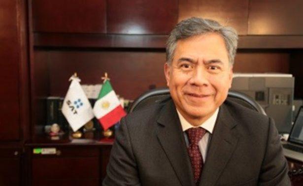 Ernesto Luna Vargas presenta su renuncia como auditor fiscal del SAT