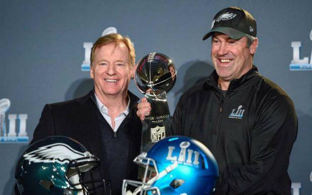 Multitud recibe en Filadelfia a los campeones del Super Bowl LII