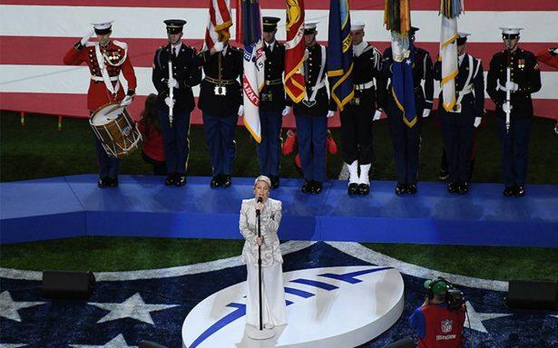 La gripe no la detuvo, P!nk entona el Himno de EU en el Super Bowl LII