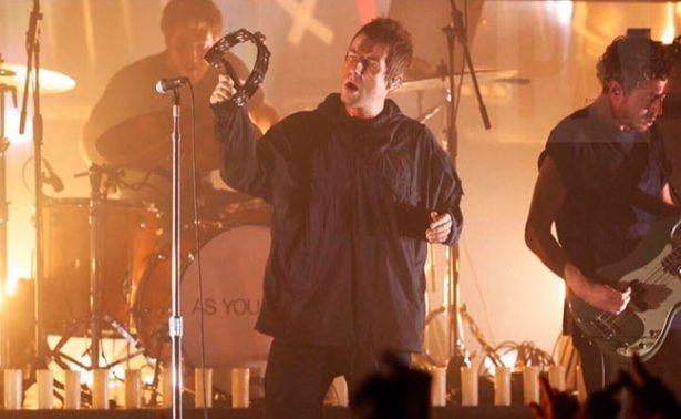 Liam Gallagher rinde emotivo concierto por víctimas de Manchester