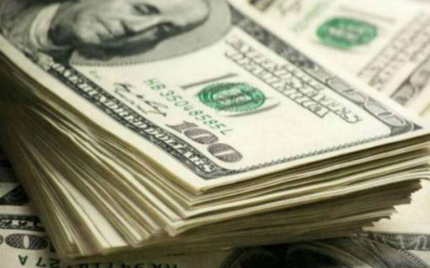 Venden hasta en 18.10 pesos el dólar en el aeropuerto Benito Juárez