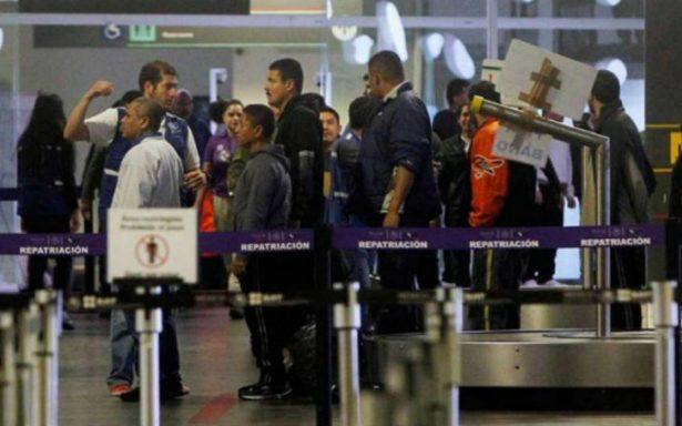 Cesan a subdelegado federal de Migración del AICM