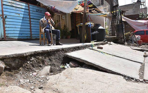 La tragedia no cede en Iztapalapa tras sismo; casas se hunden por grietas