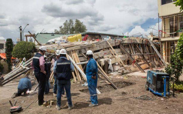 Luego de 123 horas, rescatan cuerpo de una mujer entre los escombros del Rébsamen
