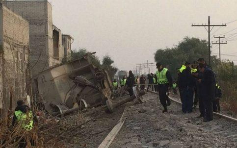 Tren se descarrila en Ecatepec, hay varios muertos entre ellos niños