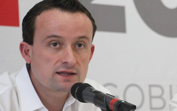 Tras polémica, Mikel Arriola se defiende y asegura que no es homófobo ni intolerante