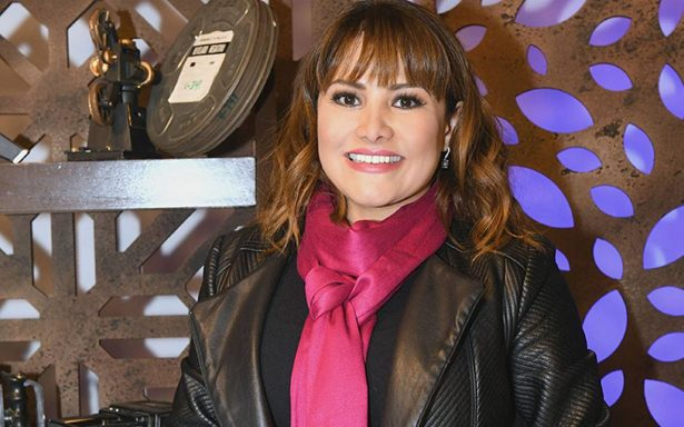 Vanessa Bauche estrena el programa Espacio Shorts México