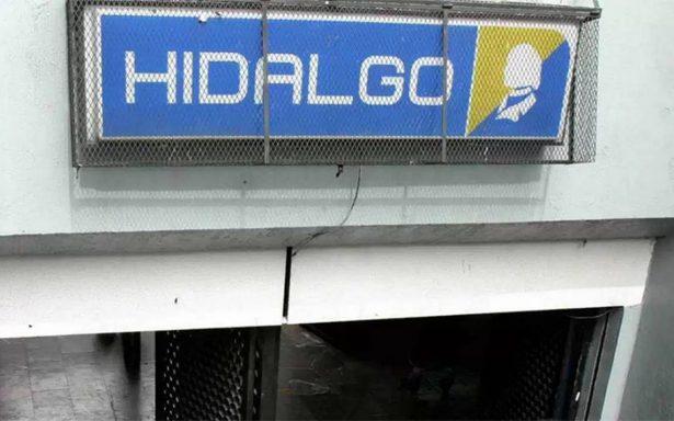 Macabro hallazgo: encuentran a hombre colgado fuera del metro Hidalgo