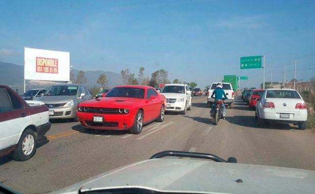 CNTE bloquea carreteras en Oaxaca por evaluación docente