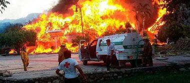 Incendio consume hotel en Palenque