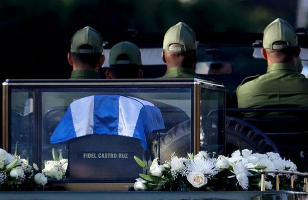 Cenizas del expresidente Fidel Castro ya recorren las calles de Cuba