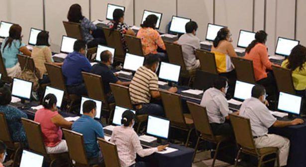 Participan profesores en evaluación educativa