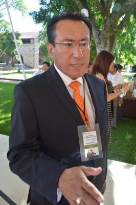 Tiene Juan Salazar aval  de legisladores