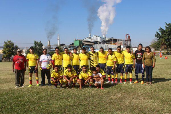 Con Camacho como figura, Monterrey golea 3-0 al Santos
