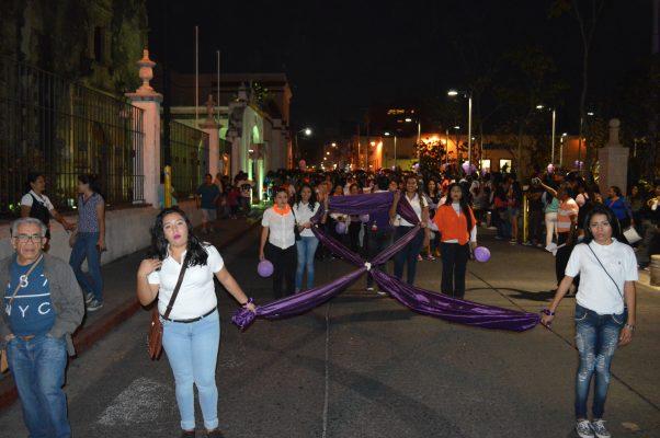 Ni un golpe más, ni una muerte más, demandan mujeres en Cuautla