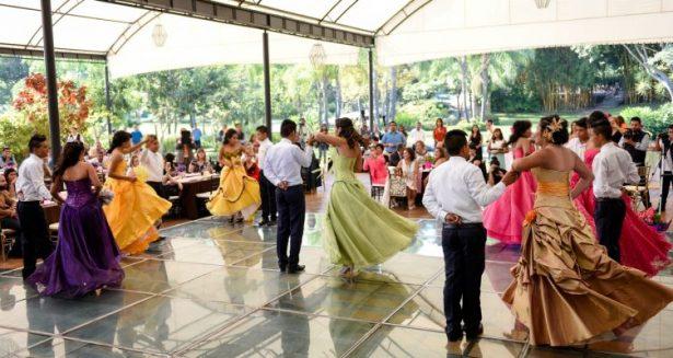 Celebra DIF XV años de las adolescentes del CASA
