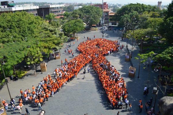 Moño inaugural de la no violencia contra las mujeres, en Plaza de Armas #Cuernavaca