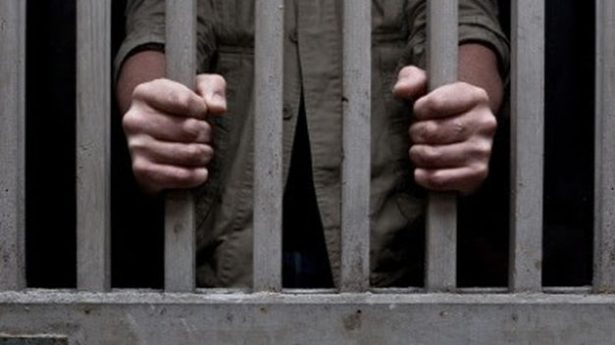 Dan 115 años de cárcel  a padre violador