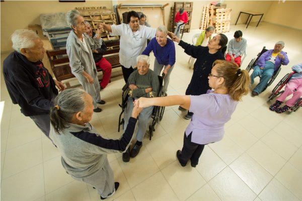Impulsan iniciativa para proteger a las personas adultas mayores