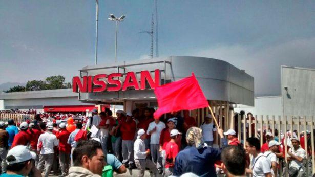 Estalla huelga en Nissan de Cuernavaca