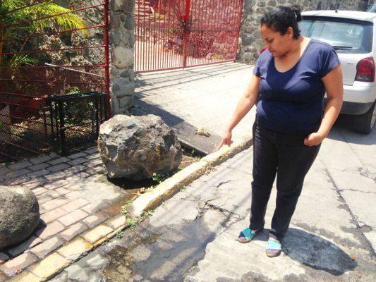Vecinos de las colonias Tulipanes y Flores Magón demandaron más atención al Gobierno municipal de Cuernavaca.  Foto: RAÚL MORALES