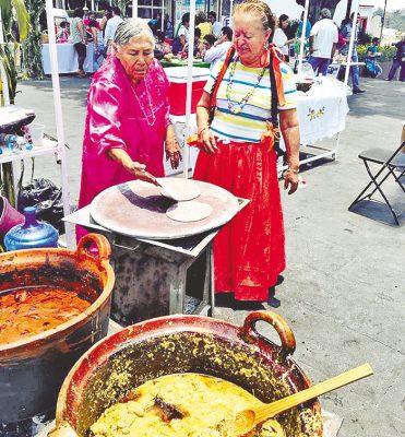 Les dieron en su mero mole en el zócalo de Cuernavaca