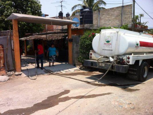 Seis mil familias vuelven  a tener agua