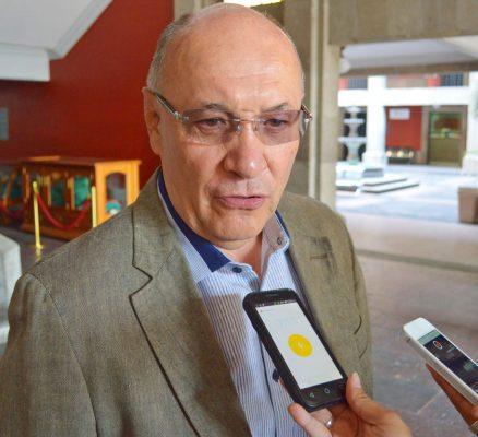 Quiere Santillán más dinero para laudos, pero no lo pide formalmente