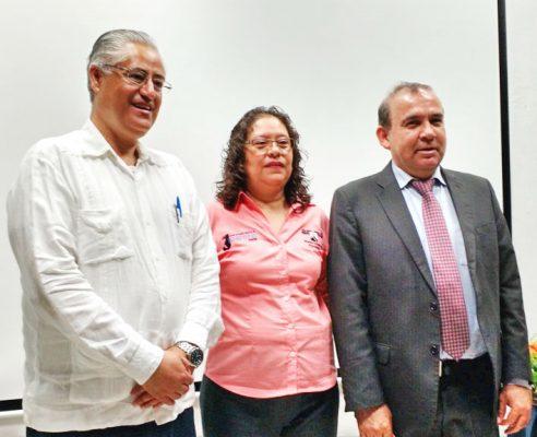 El rector propuso implementar en las carreras la materia de la paz.