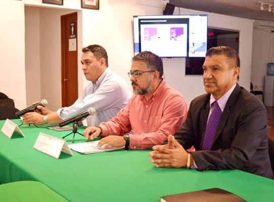 Sin temor, mexicanos en EEUU sacan su credencial del INE
