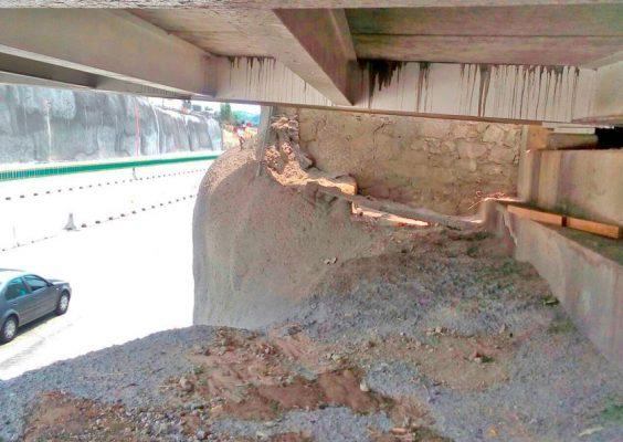 """En algunos tramos del """"Paso Exprés"""" se pueden observar desperfectos, los cuales han sido señalados por los vecinos. Foto: Israel Mariano"""