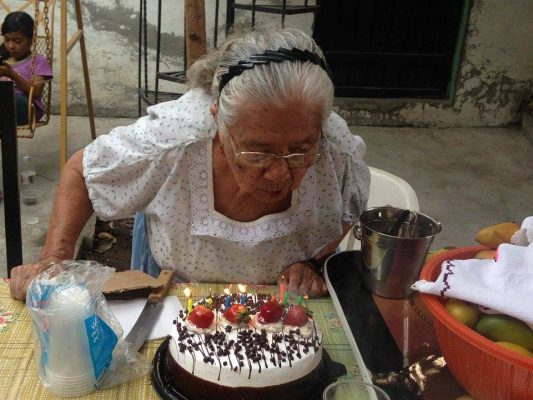 Celebra 86 años de vida