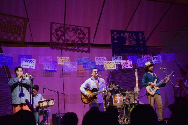 Fiesta musical con PapaSon
