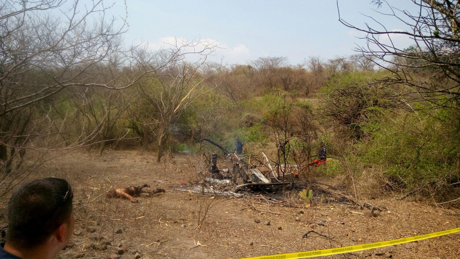 Se desploma avioneta cerca de penal en Morelos