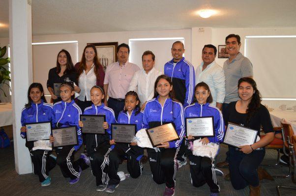 Reconocen a ocho taekwondoínes morelenses