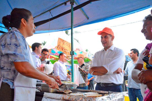 Festeja Jaime Álvarez a papás