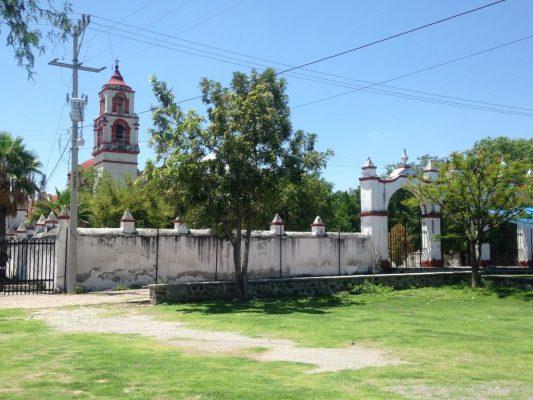 Mejoran luminarias  en iglesias de Mazatepec