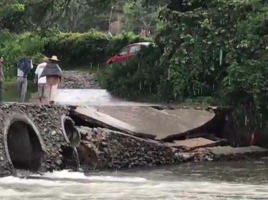 Destruye puente río Chalma