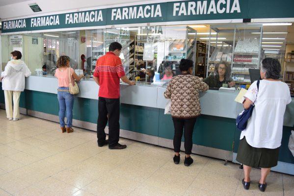 Tiene vacunas el IMSS: Vázquez