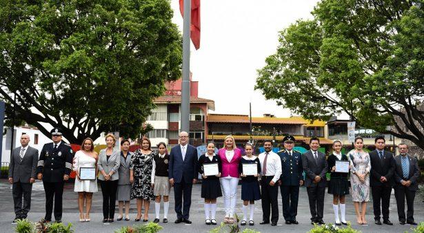 Reconocen a ganadores del XV Concurso de Interpretación del Himno Nacional