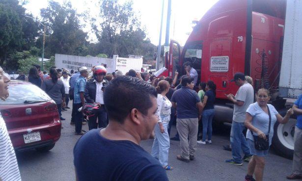 Roba Gabriel Rivas donación de Michoacán para DIF