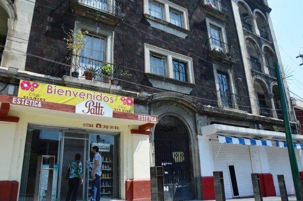 Sigue el deterioro del edificio Alonso