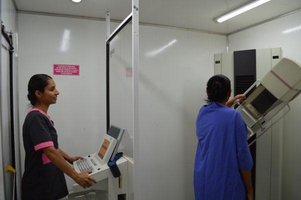 Detectan a 49 mujeres con cáncer de mama