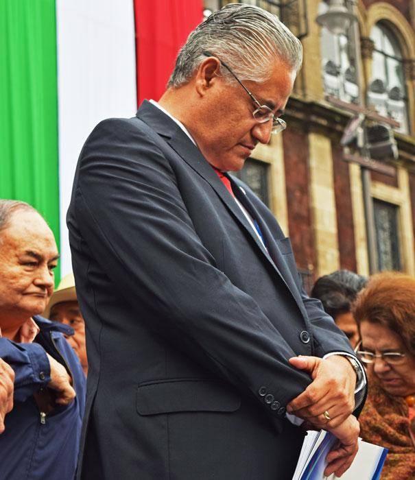 [VIDEO] Detienen al ex rector Alejandro Vera