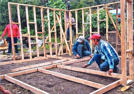 Comuneros de Tetela del Volcán pretenden edificar 25 casas temporales para los afectados por el sismo.